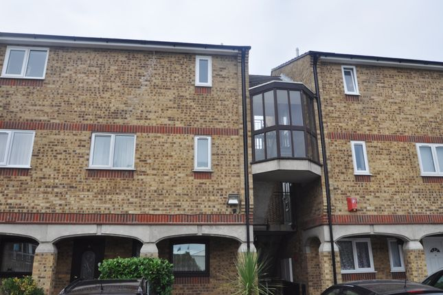 Thumbnail Flat for sale in Charleston Court, Burnt Mills, Basildon
