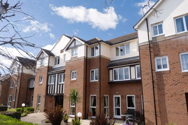 2 bed flat for sale in Stirling Court, Southport PR9