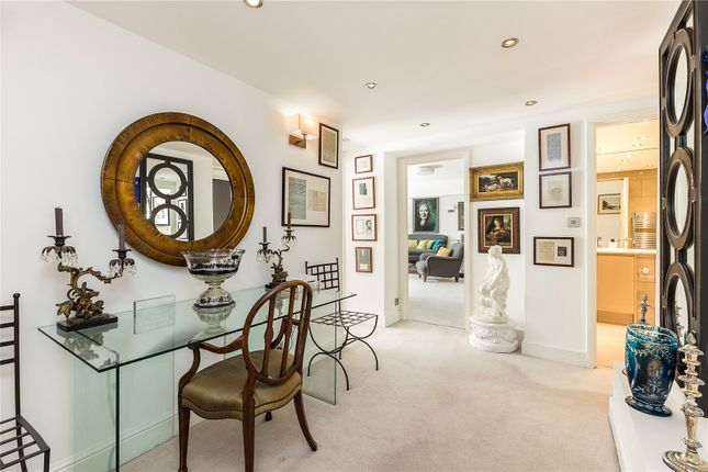 Thumbnail Flat for sale in Thorney Crescent, London