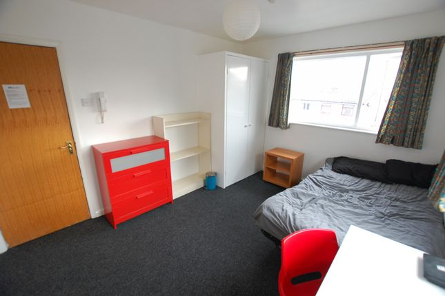 Thumbnail Flat to rent in Fawcett Street, Sheffield, South Yorkshire