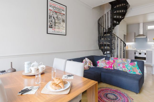 Thumbnail Town house to rent in St. George's Square Mews, London