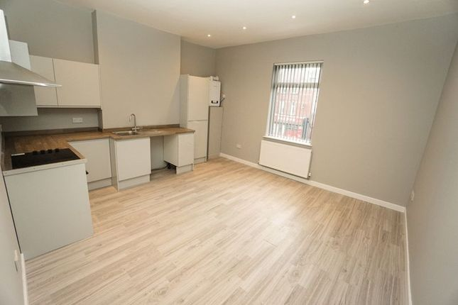 Thumbnail Flat to rent in Flat 4, Chorley New Road, Horwich