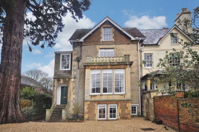 Thumbnail Town house for sale in Spring Road, Abingdon