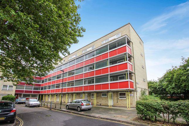Thumbnail Flat for sale in Golden Grove, Southampton