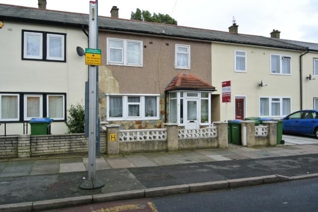 Thumbnail Town house to rent in Kildbrook, London