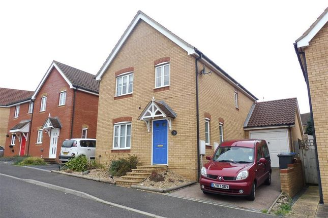 4 bed detached house to rent in Long Avenue, Saxmundham