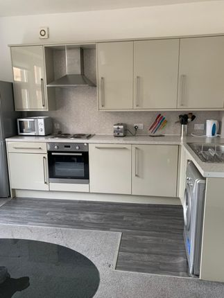 3 bed flat to rent in Mitchell Street, West End, Dundee DD2