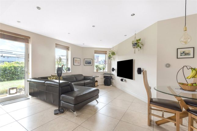 Thumbnail Flat for sale in Davis House, 5 Huguenot Drive, London