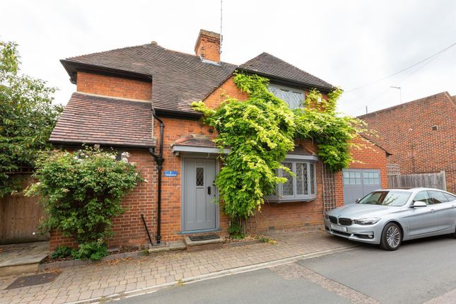 Thumbnail Detached house for sale in College Place, London