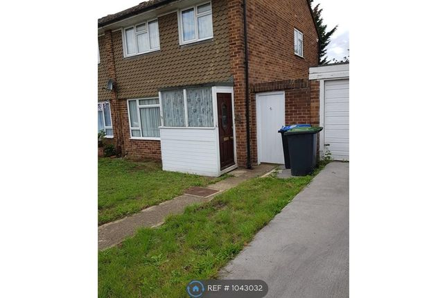 5 bed semi-detached house to rent in Nobles Way, Egham TW20
