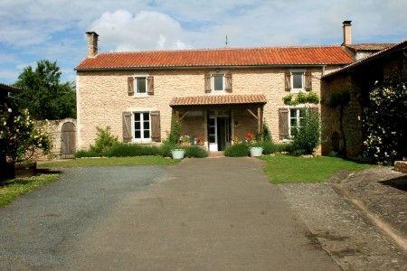 4 bed property for sale in La-Grimaudiere, Deux-Sèvres, France