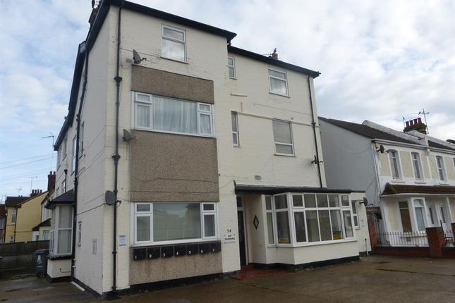 Thumbnail Flat to rent in West Avenue, Clacton-On-Sea