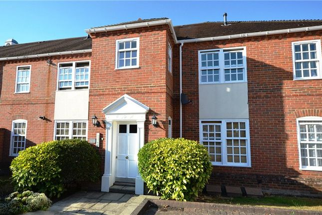1 Bed Flat For Sale In Calcott Park Yateley Hampshire