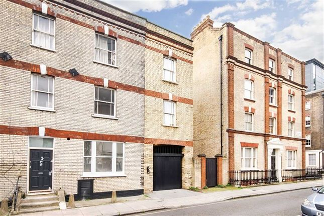 Thumbnail Flat to rent in Orde Hall Street, London
