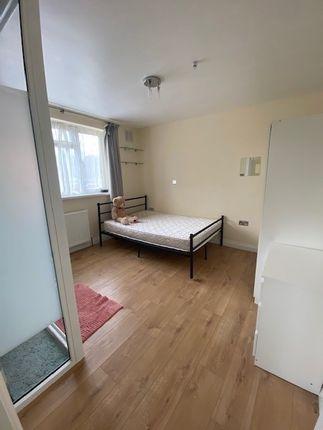 Thumbnail Studio to rent in Montrose Avenue, Edgware, Greater London