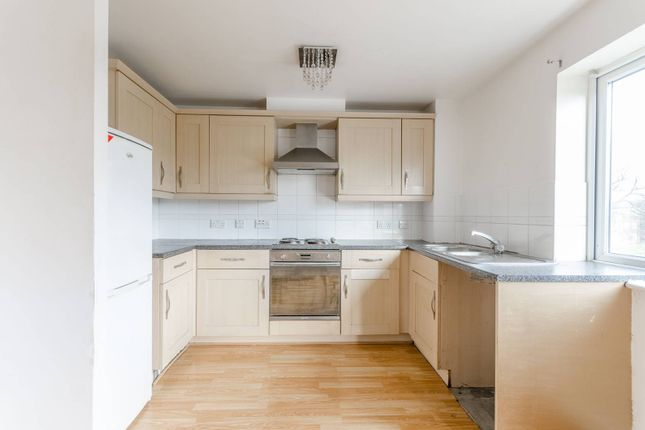 Thumbnail Flat to rent in Connington Crescent, Chingford