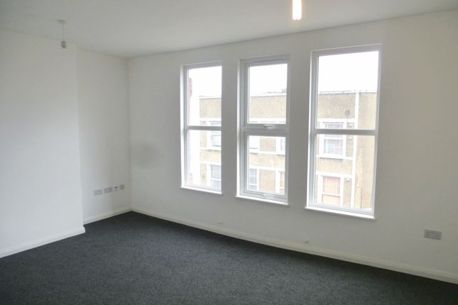 1 bed flat to rent in High Street, Sutton
