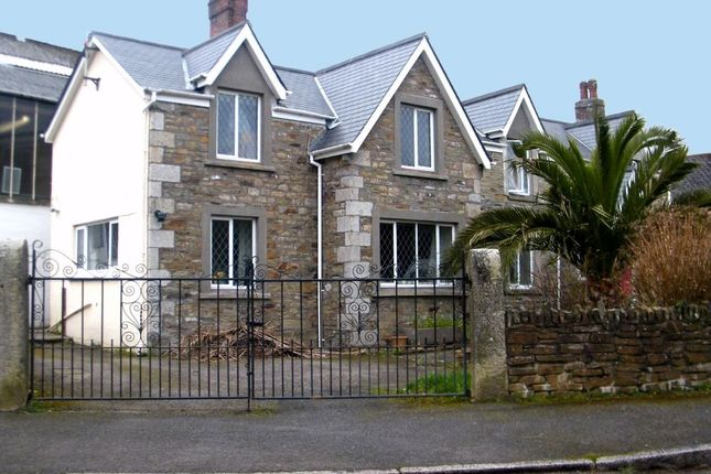 Thumbnail Town house to rent in Park Crescent, Falmouth