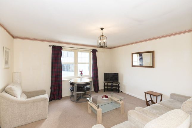 2 bed flat to rent in Summer Street, Aberdeen