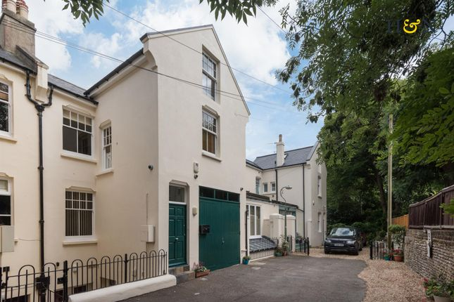 Thumbnail Property for sale in Albany Mews, Hove