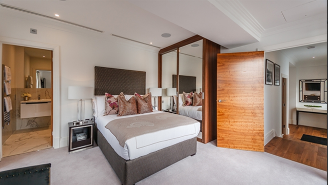 Thumbnail Flat to rent in Port Penthouse Palace Wharf, London