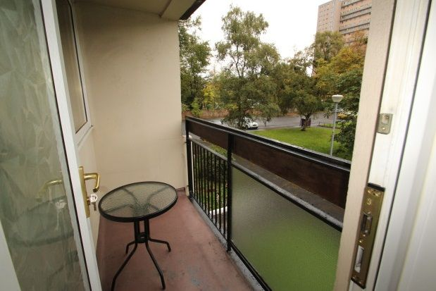 Thumbnail Flat to rent in Dumbreck Path, Glasgow