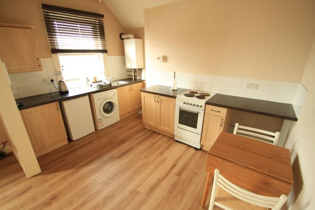 Thumbnail Flat to rent in Mostyn Street, Leicester