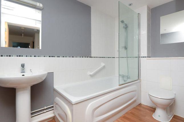 Bathroom of Alpha House, Peacock Street, Gravesend DA12