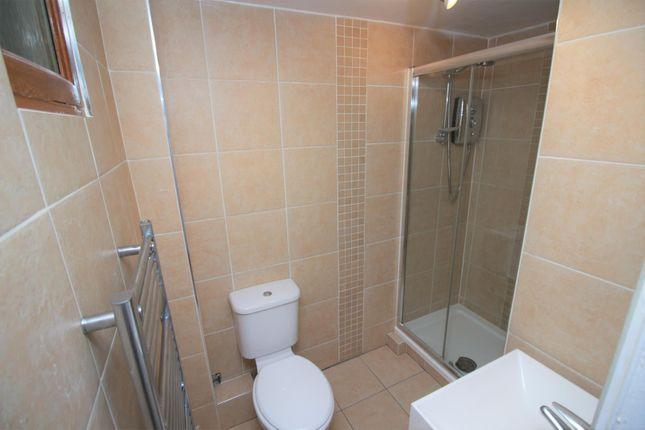 Bathroom of Glen Avenue, Port Glasgow PA14