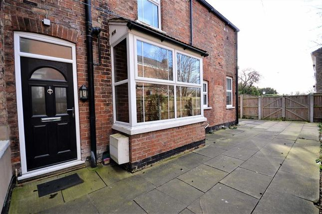 Thumbnail Flat for sale in Bargate, Grimsby