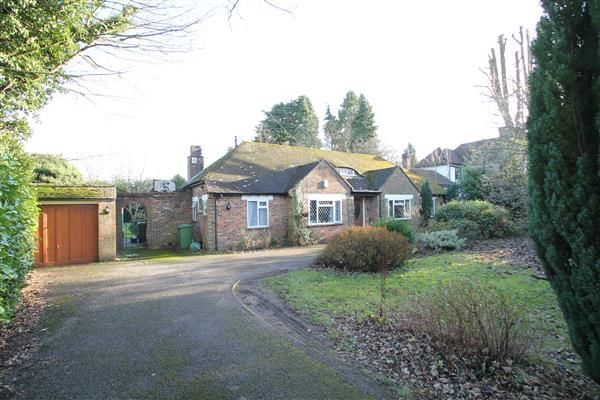 Thumbnail Bungalow for sale in High Road, Chipstead, Coulsdon