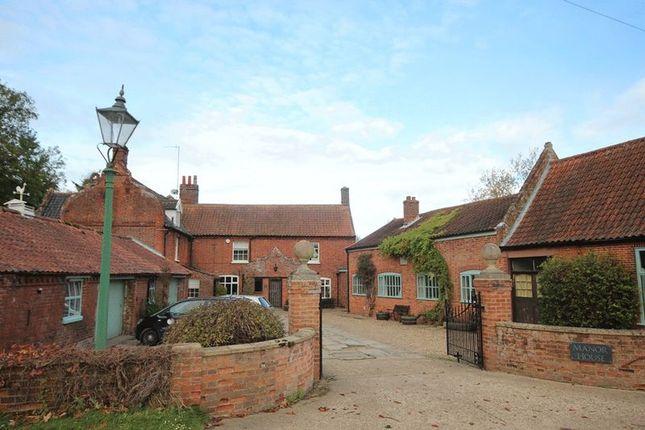 Thumbnail Lodge to rent in Bramerton Road, Surlingham, Norwich