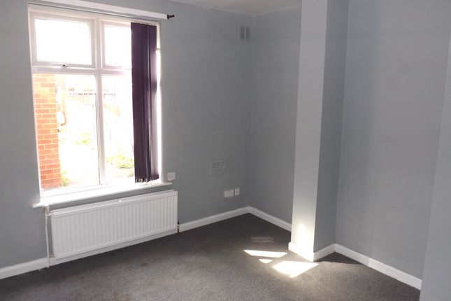 Terraced house to rent in South Street, Highfields