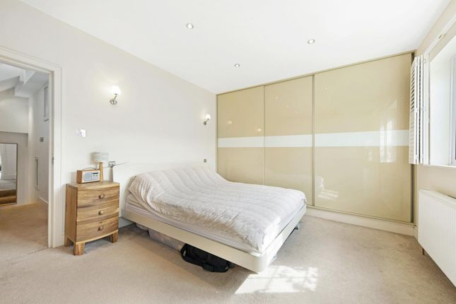 Bedroom of Waldeck Road, London W4