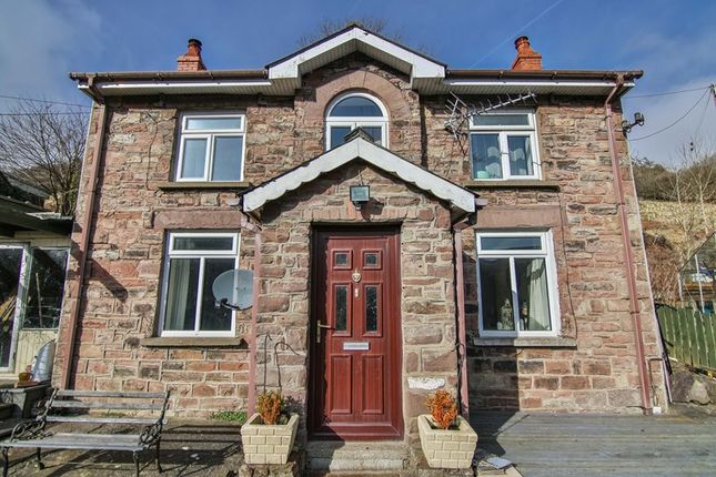 Thumbnail Cottage for sale in Main Road, Clydach, Abergavenny