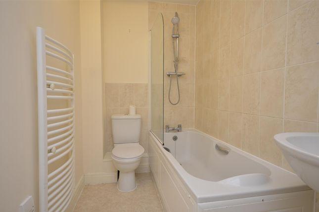 Bathroom of Little Mill Court, Stroud, Gloucestershire GL5