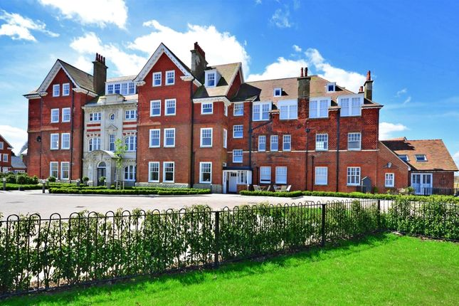 Thumbnail Flat to rent in Eversley Park, Folkestone