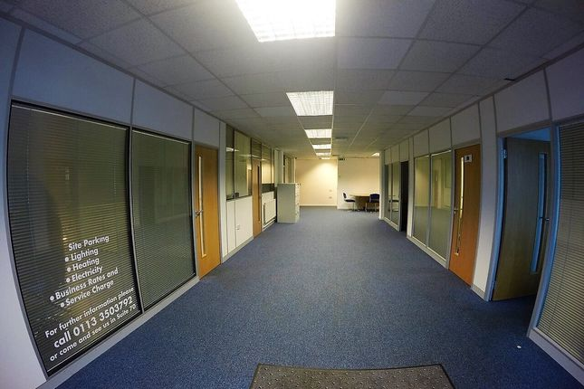 Office to let in Parkside Lane, Leeds