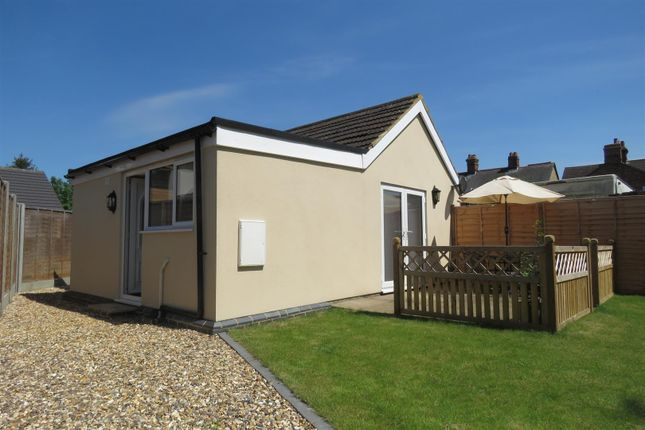 Thumbnail Detached bungalow for sale in Sun Street, Biggleswade