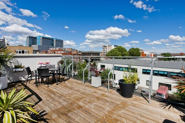 Thumbnail Terraced house to rent in Flintlock Close, Aldgate, London