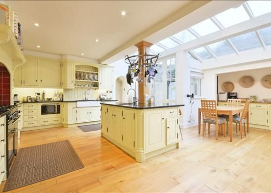 Thumbnail Property to rent in Linnell Drive, Hampstead Garden Suburb