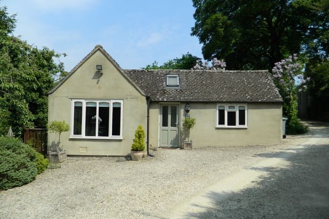 Thumbnail Detached bungalow to rent in Churchfields, Stonesfield