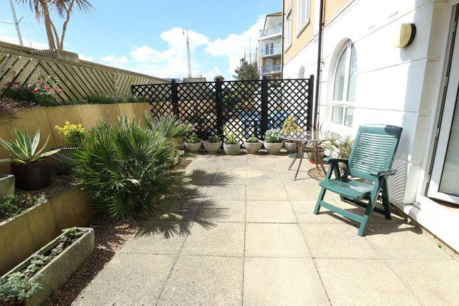 Thumbnail Flat for sale in Collingwood Court, Brighton Marina Village, Brighton