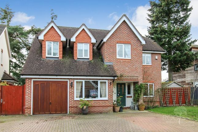 Thumbnail Detached house for sale in Heather Gardens, Newbury