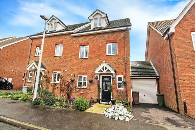 Picture No. 13 of Shelduck Close, Allhallows, Kent ME3