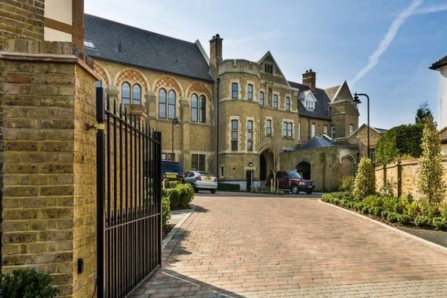 Thumbnail Barn conversion to rent in Havanna Drive, London