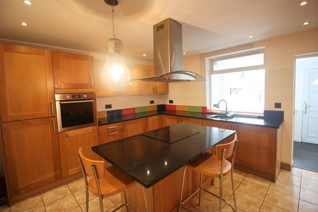 2 bed terraced house to rent in Leigh Road, Atherton, Manchester M46