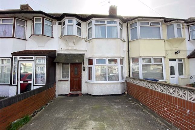 Thumbnail Terraced house to rent in Laburnum Grove, Southall, Middlesex