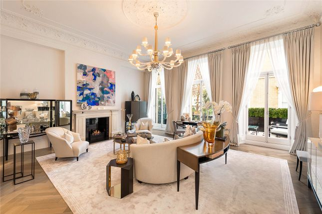 Thumbnail Flat for sale in Ennismore Gardens, London