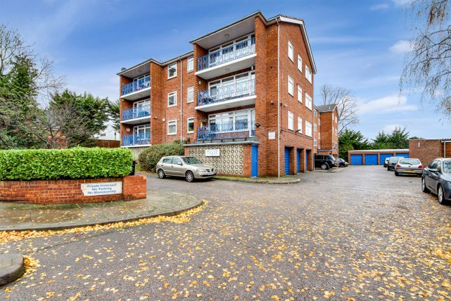 Thumbnail Flat for sale in Station Road, Winchmore Hill